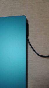 Surface Laptop コバルトブルーの電源つけ方下向き