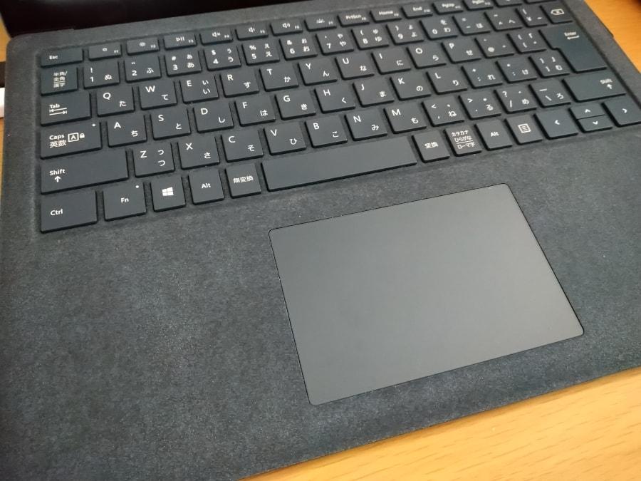 Surface Laptopのキーボード全体の写真