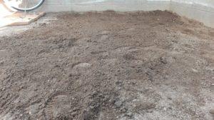 地面の耕しがひとまず完了