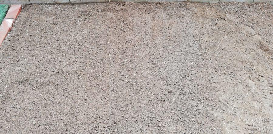 庭の土への砂混ぜ完了